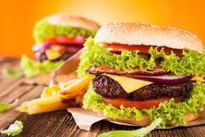 [lokal Leipzig] [Groupon] Burger All-you-can-eat im ESS-Point für 2/4 Personen