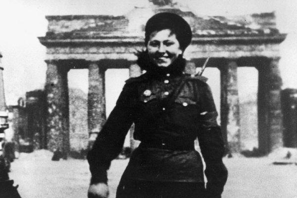 Berlin im Zeughauskino: Film : Berlin 1945 - Niederlage. Befreiung. Neuanfang  am  8.5.2015 um 17 Uhr - Eintritt frei