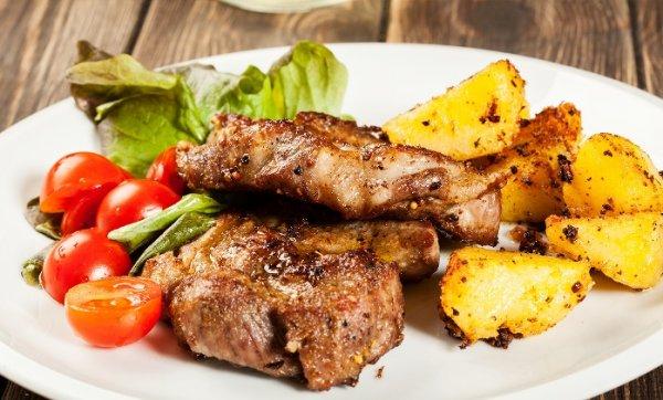 Köln : Jumbo-Kotelette-Menü mit 500 g  ( pro Person)  Fleisch für 4 Personen  im Haus Zeyen - Nur  28,90  € statt 69,60 € @ Groupon ( Qipu möglich)