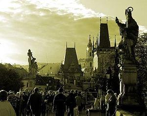 Flüge: Bremen - Prag 21,- € hin und zurück (Mai; Termine im Juni etwas teurer)