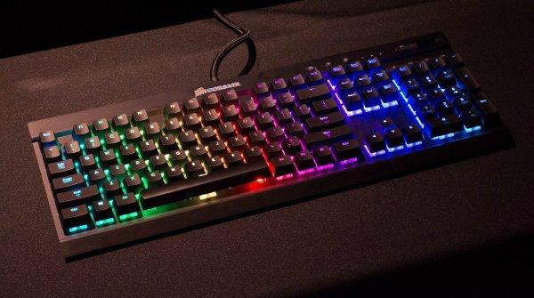 """Corsair """"K70 RGB MX Brown"""", mechanische Gaming-QWERTZ-Tastatur für 139,90 € statt 168,90 €, @ MULTI-ZackZack"""