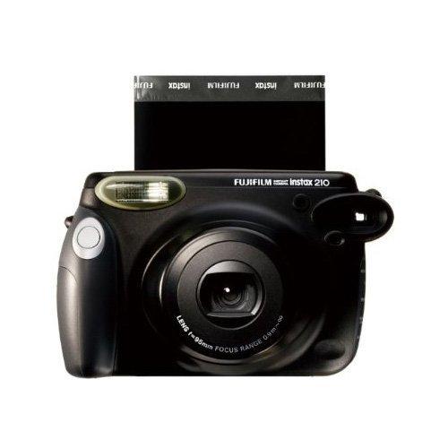 Fujifilm Instax 210 Sofortbildkamera für 60,12 € @Amazon.it