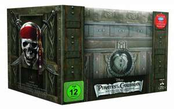 (thalia.de) Pirates of the Caribbean - Die Piraten-Quadrologie (Limitierte Collector's Edition Schatztruhe inkl. Soundtrack) [Blu-ray]  für 28,05€