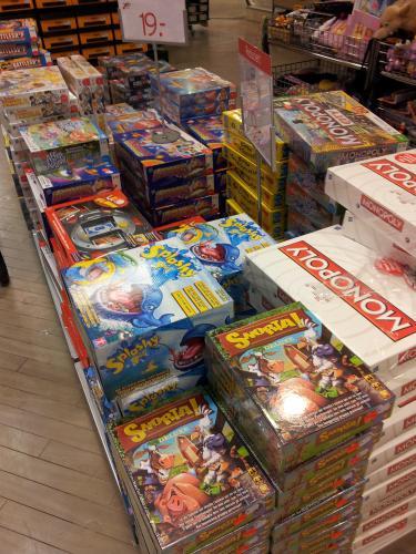[lokal] Bei Karstadt am Gewandhaus in Braunschweig diverse Spielsachen, Brettspiele, Fahrradzubehör, usw...