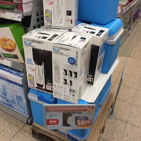 [lokal? Berlin] SodaStream Plus für 50€ (weiß & schwarz) - idealo: 69€ für die weiße Version