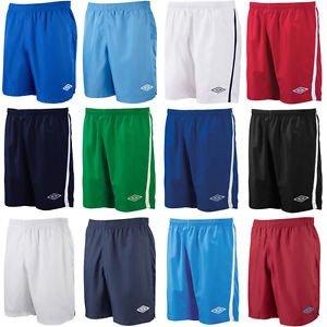 (Ebay) Umbro Sport Short für Kinder und Erwachsene, verschiedene Faben für je 6,99 EUR