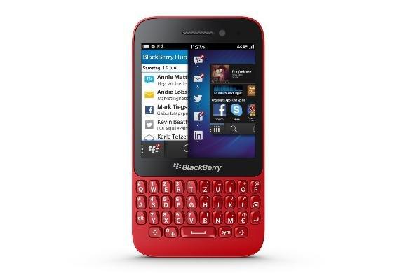 Blackberry Q5 in Rot