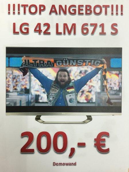(Lokal Saturn Berlin Köpenick) LG42LM671S 3D 42 Zoll 400Hz TV für 200€ Abverkauf aus der Demowand