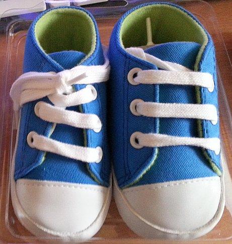 [ZEEMAN] Babyschuhe 12-18 Monate versch. Farben (Chucks Fake) für 3,99€