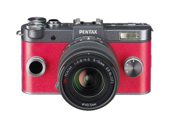 Pentax Q-S1 Kit 5-15mm rot für 242,29 € @Amazon.fr
