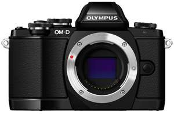 Olympus OM-D E-M10 Body schwarz für 407,17€ @Amazon.fr