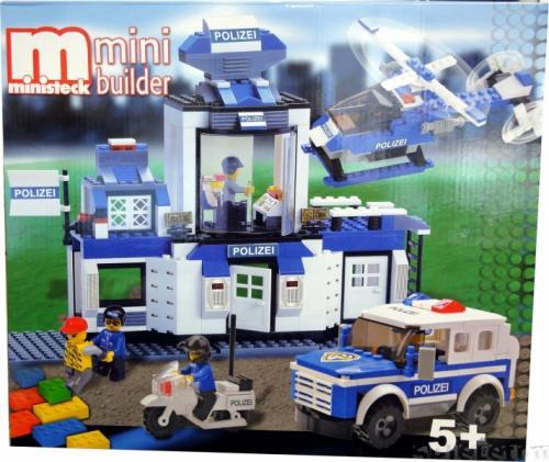 Feuerwehrstation mit Geländewagen, Helikopter + Motorrad