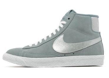 Nike Blazer Mid grau Gr. 42,5 für 20€ @jd-sports.de, kostenlose Lieferung in Filiale möglich