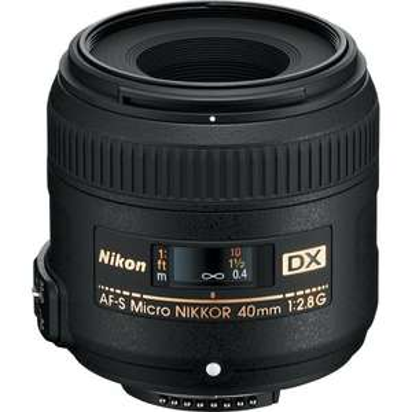[Amazon Prime Day (WHD Sehr Gut)] Nikon AF-S DX Micro-Nikkor 40mm 1:2,8G Objektiv