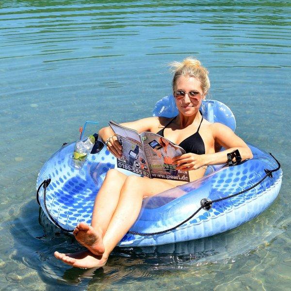 Aufblasbarer Schwimmring mit Rückenlehne und Getränkehalter