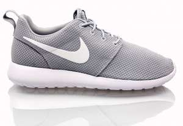 Nike Rosherun Wolf Grey für 71,20 €