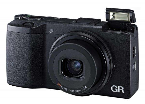 Ricoh GR Schwarz - Kompaktkamera, 16,2 MP, APS-C-Sensor für 425€ @Amazon.fr