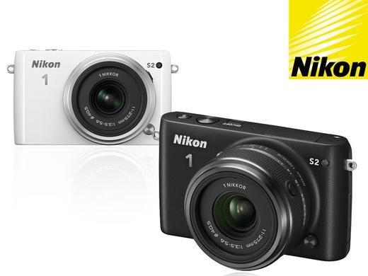 [ibood.com] Nikon 1 S2 Schwarz/Weiss + NIKKOR Objektiv 11-27.5mm f / 3.5-5.6   (14,2 Megapixel, 7,5 cm (3 Zoll) LCD-Display, Wi-Fi-fähig, USB, HDMI, Full-HD-Videofunktion