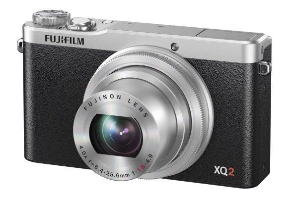 Fujifilm XQ2 Edelkompaktkamera Silber für 297,91€ @Amazon.es