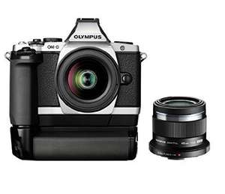 Amazon.co.uk Olympus EM5 + 12-50mm +45mm + Batteriegriff