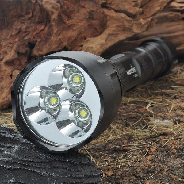 Wieder Verfügbar [AllBuy] Top Taschenlampe mit 3 LED's für nur 8,11€