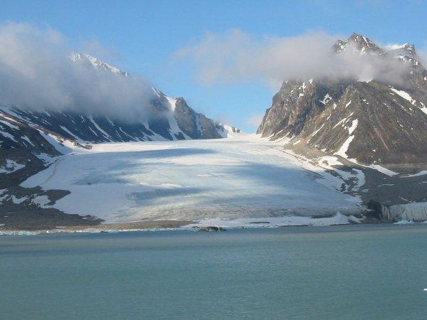 Errorfare noch verfügbar: Prag - Spitzbergens Longyearbyen - Hamburg ab 160,- EUR, Juni - August 2016