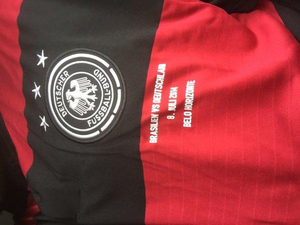 DFB Trikot 2014 *** Karstadt München am Stachus 4OG.