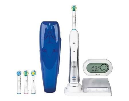 Braun Oral-B Triumph 5500, Elektrische Premium-Zahnbürste, mit Reise-Etui und SmartGuide, inkl. 4 Aufsteckbürsten für 89,90 € @ Allyouneed