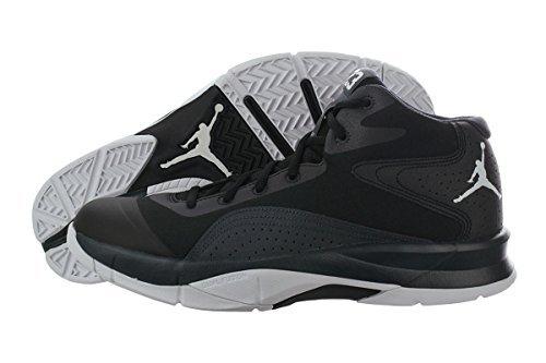 Nike Air Jordan Court Vision 00 z.B Größe 44.5 für 77€ [amazon.de]