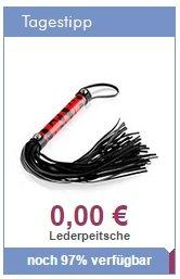 Handliche, rot-schwarze Peitsche mit komfortablem Griff und zahlreichen Riemen ;)
