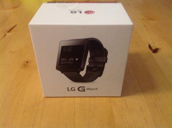 LG G Watch LG-W100 in schwarz im örtlichen T-Mobile/Telekom Laden für Euro 49,95