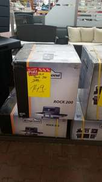 lokal gera bauhaus gera gasgrill kingstone rock 200 149 statt 399. Black Bedroom Furniture Sets. Home Design Ideas