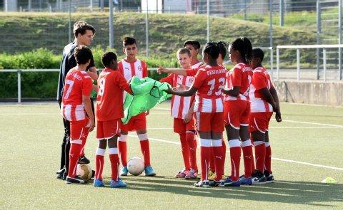 Fortuna Düsseldorf bietet Gratis-Training für jugendliche Flüchtlinge