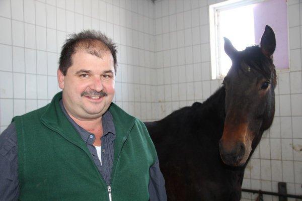 Schlachtfest in Buxtehude: Hausgemachte Pferdebuletten für nur € 0,69