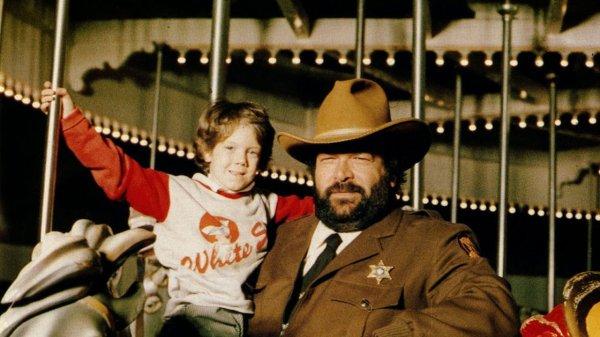 Oliver Onions - Sheriff (Der Große Mit Seinem Außerirdischen Kleinen) MP3 0,99 € @ Amazon