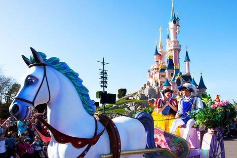 Disneyland Paris: 2 Nächte im 3*Hotel + Tagesticket für 2 Parks + VIP Shopping von Oktober-November ab 139€ p.P.