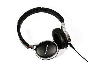 Pioneer SE-MJ591 - Over-Ear Kopfhörer für 67,77 € @Notebooksbilliger