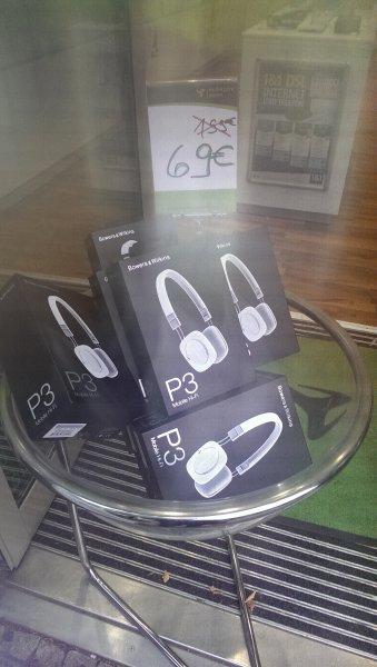 Lokal Berlin - Bowers & Wilkins P3 Headset