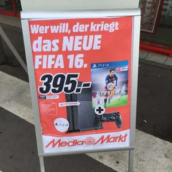(MM lokal?) PS4 1TB CUH-1216B + Fifa 16 395€