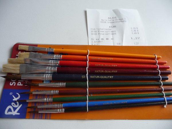 10 teiliges Schulpinselset 0,49€, 4 Tintenlöscher 0,29€ (Lokal Aldi Süd, Großkrotzenburg)