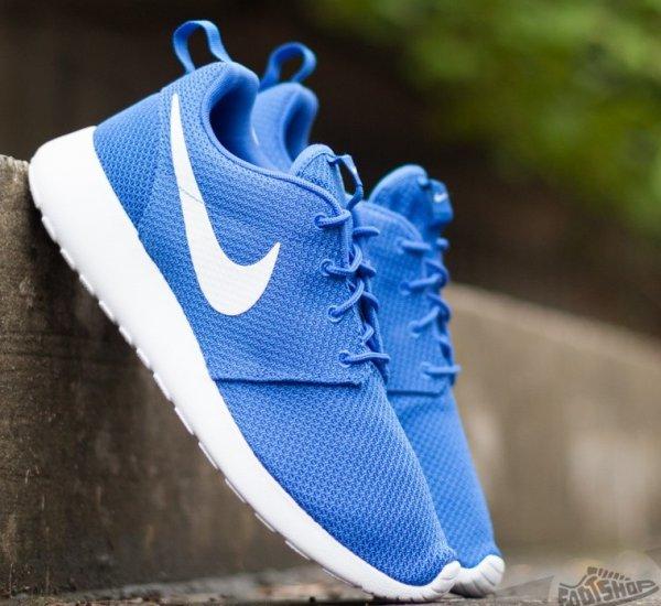 [AMAZON] Nike Roshe One - Blau/Weiss - 67,99 € inkl. Versand (+ 5 % qipu)