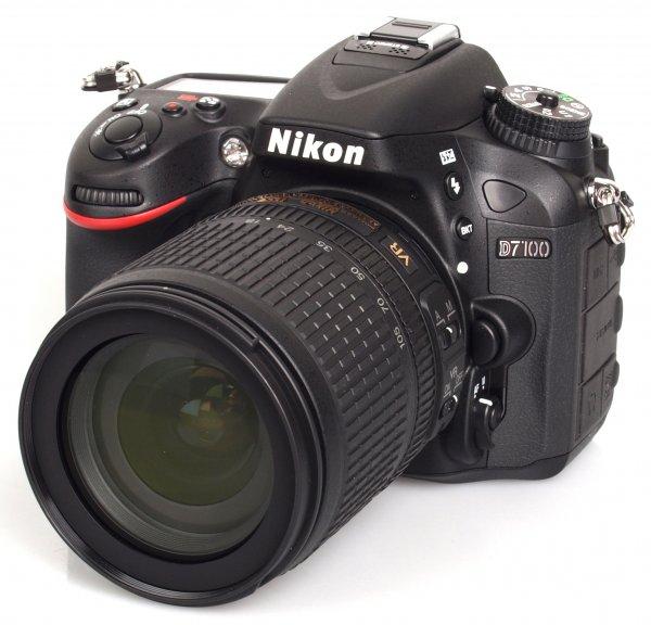 Nikon D7100 + 18-105 er für 799,-