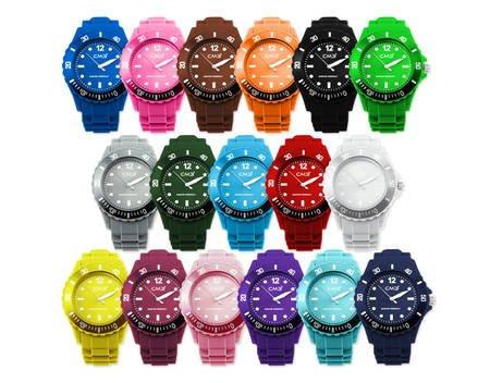 [allyouneed] bunte Uhren für 2,49€ inkl. Versandkosten + 2. Ersatzbatterie
