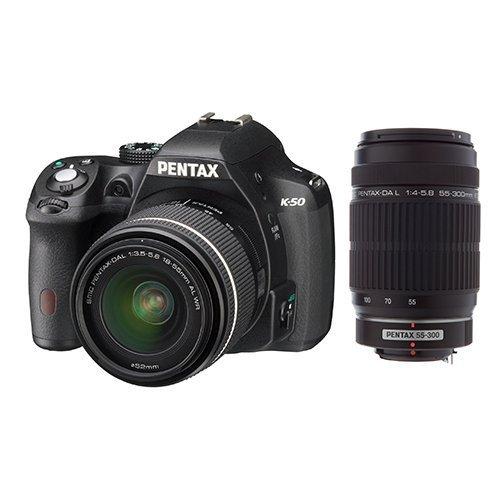 Pentax K-50 schwarz - Digitalkamera + DA L 18-55 mm WR Objektiv + DA 55-300 mm ED Objektiv für 501,85 € @Amazon.fr