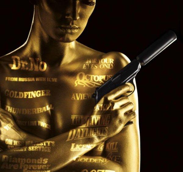 James Bond Collection (23 Discs) inkl. Leerplatz für Spectre + Bonus Disc + 52-seitiges Booklet + 17 Ausgaben FOCUS (Print + Digital) für 74,10€ auf DVD, oder für 109€ auf Blu-ray