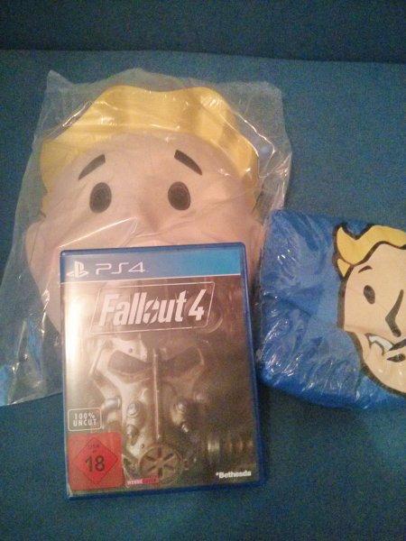 [lokal MM Porta-Westf.] PS4 Fallout 4 + T-Shirt + Maske + Soundtrack für 49€