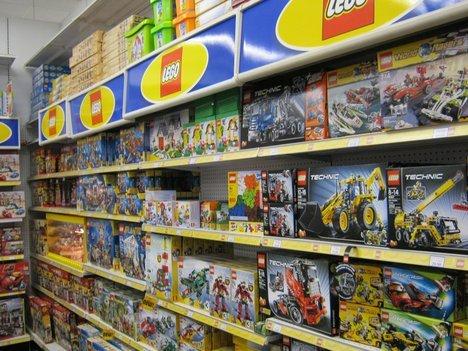 [Toys'R'Us] LEGO Technic 42025 Frachtflugzeug für 84,98€   LEGO Technic 42041 Renn-Truck für 49,98€