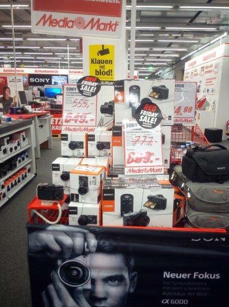 Media Markt München Haidhausen Sony Alpha 6000 16 50 Kit und Doublezoom und Fuji x-a 2