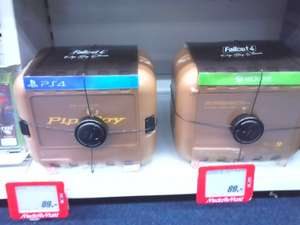 [Lokal] Media Markt Venlo Batman Arkham Knight Limited Edition €44 / Fallout 4 Pip Boy Edition €89