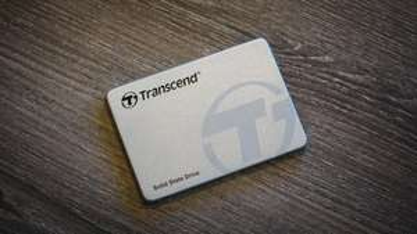 Transcend SSD370S interne SSD 128GB (6,4 cm (2,5 Zoll), SATA III, MLC) mit Aluminium-Gehäuse silber für 45,49€ @Amazon Blitzangebot